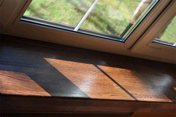 Установка деревянных оконных плоскостей (подоконников, откосов)